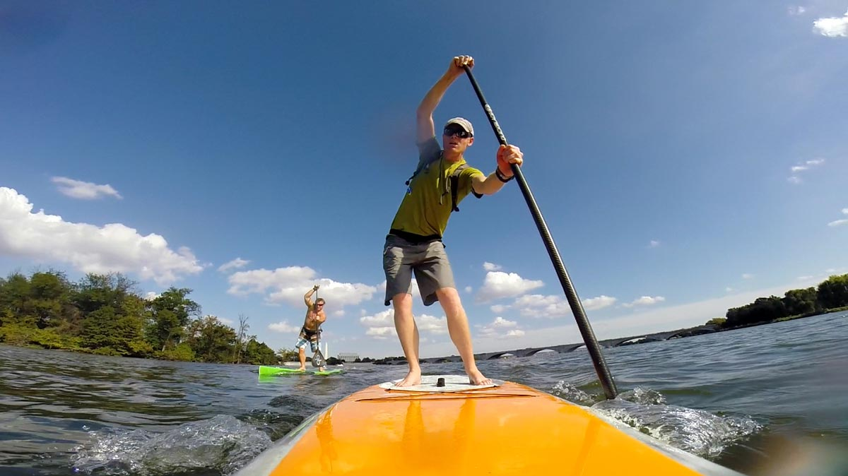 Stand up paddle board in Washington DC, Georgetown, Potomac River